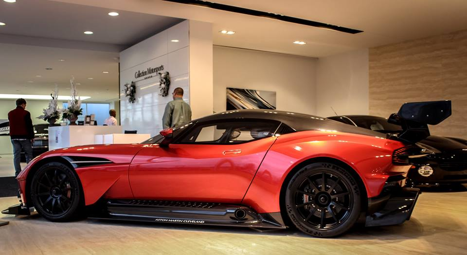 america s first aston martin vulcan is up for grabs. Black Bedroom Furniture Sets. Home Design Ideas