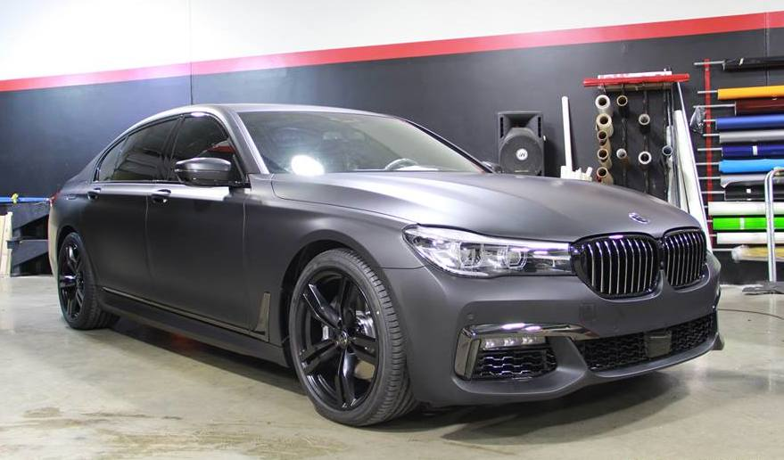 Matte Deep Black Bmw 7 Series Looks Menacing