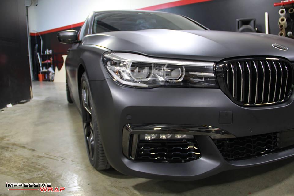 Matte Deep Black BMW 7 Series Looks Menacing