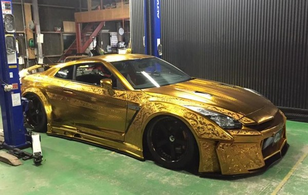 Kuhl-Racing Nissan GT-R-Gold-0