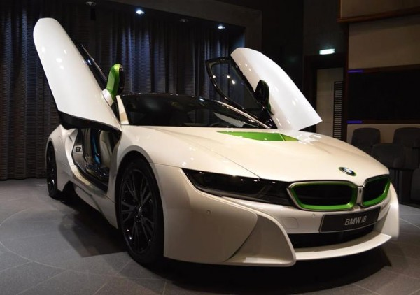 White Java Green BMW i8-0