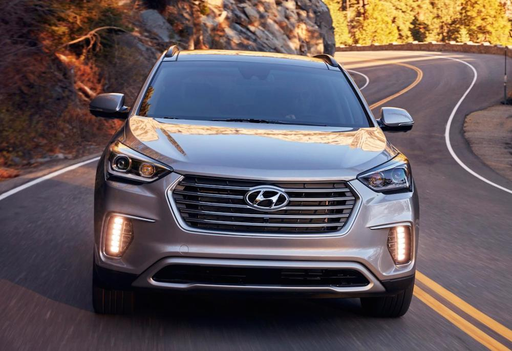2017 hyundai santa fe revealed with many upgrades. Black Bedroom Furniture Sets. Home Design Ideas