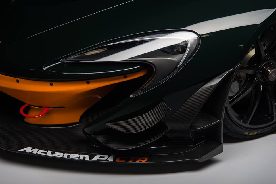 up close with canepa green mclaren p1 gtr. Black Bedroom Furniture Sets. Home Design Ideas