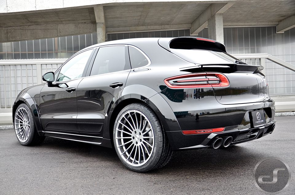 up close with hamann porsche macan turbo. Black Bedroom Furniture Sets. Home Design Ideas