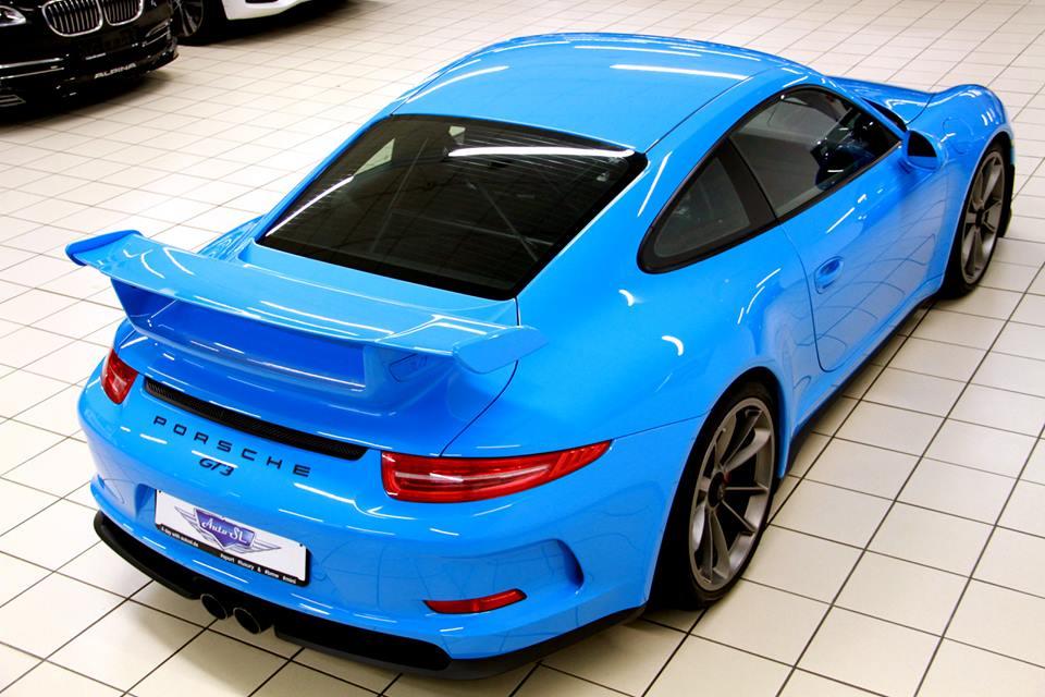 Eye Candy: Riviera Blue Porsche 991 GT3