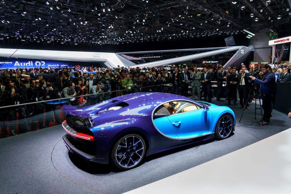 bugatti chiron new photos and video. Black Bedroom Furniture Sets. Home Design Ideas