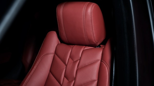 Kahn Range Rover Sport RS-pace-btm