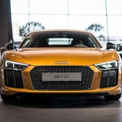 Orange Pearl Audi R8 V10-3
