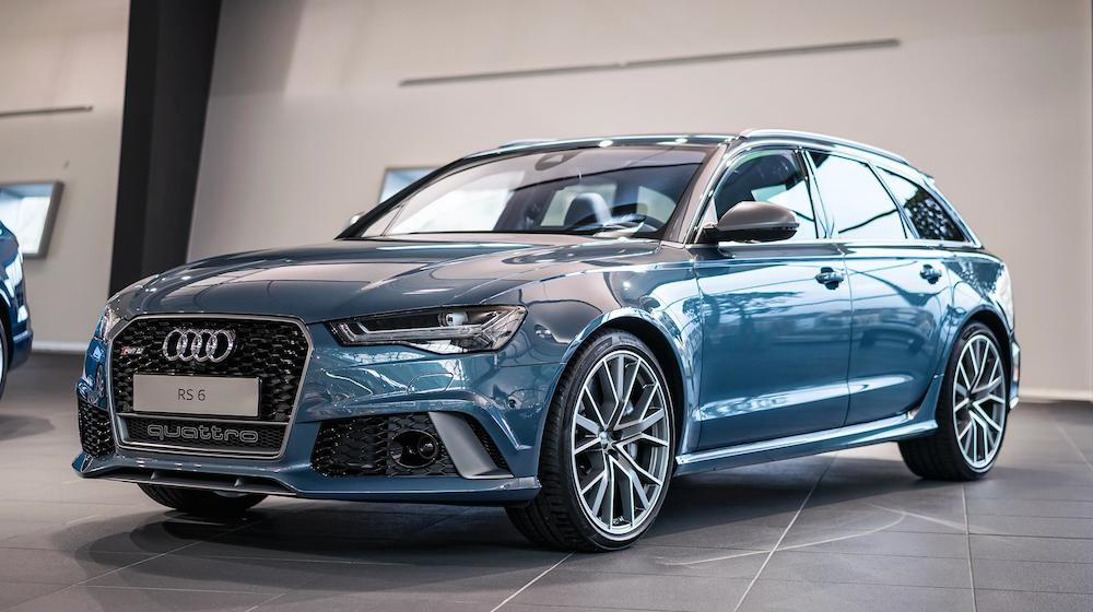 Audi RS6 Exclusive in Polarblau