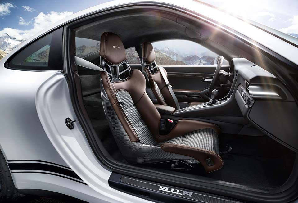 Awesome new promo for porsche 911 r new interior pics for Porsche 911 interieur