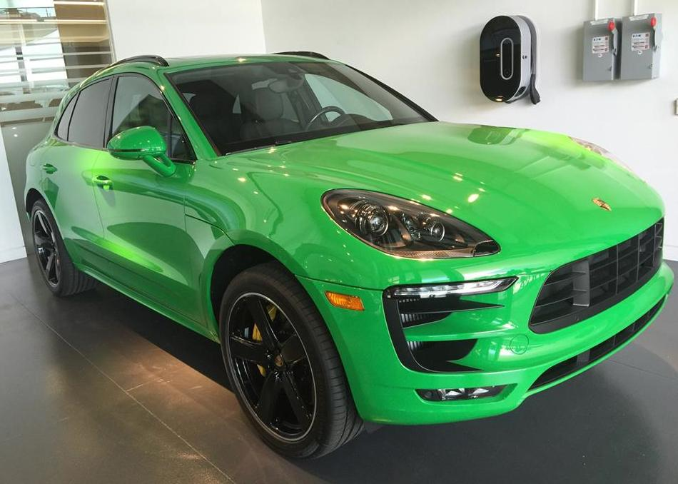 Eye Candy Viper Green Porsche Macan