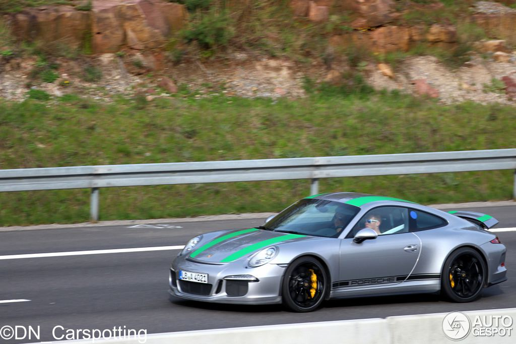 porsche 911 r spotted with green stripes. Black Bedroom Furniture Sets. Home Design Ideas