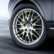 Porsche Cayenne Platinum 3 175x175 at Official: Porsche Cayenne Platinum Edition
