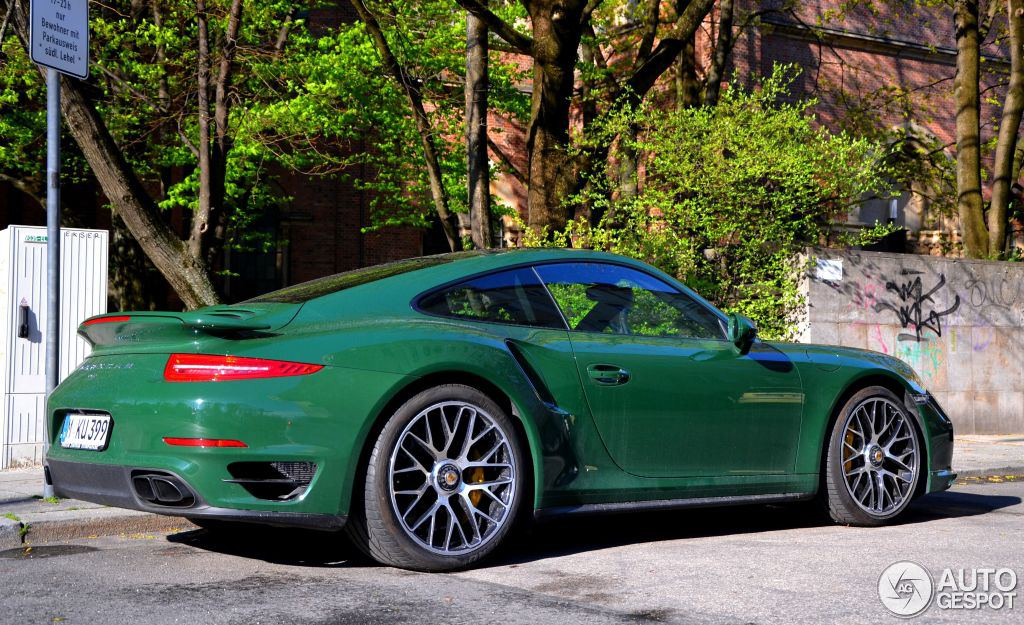 uber cool porsche 991 turbo in british racing green. Black Bedroom Furniture Sets. Home Design Ideas