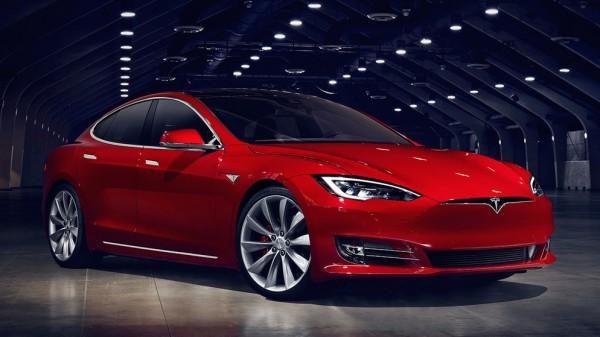 Tesla Model S Facelift-0