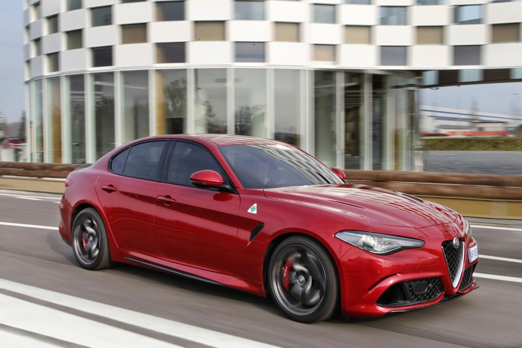 alfa romeo giulia uk specs and details. Black Bedroom Furniture Sets. Home Design Ideas