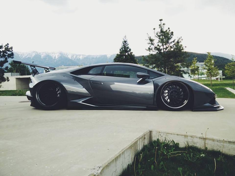 Liberty Walk Lamborghini Huracan Goes To Extremes