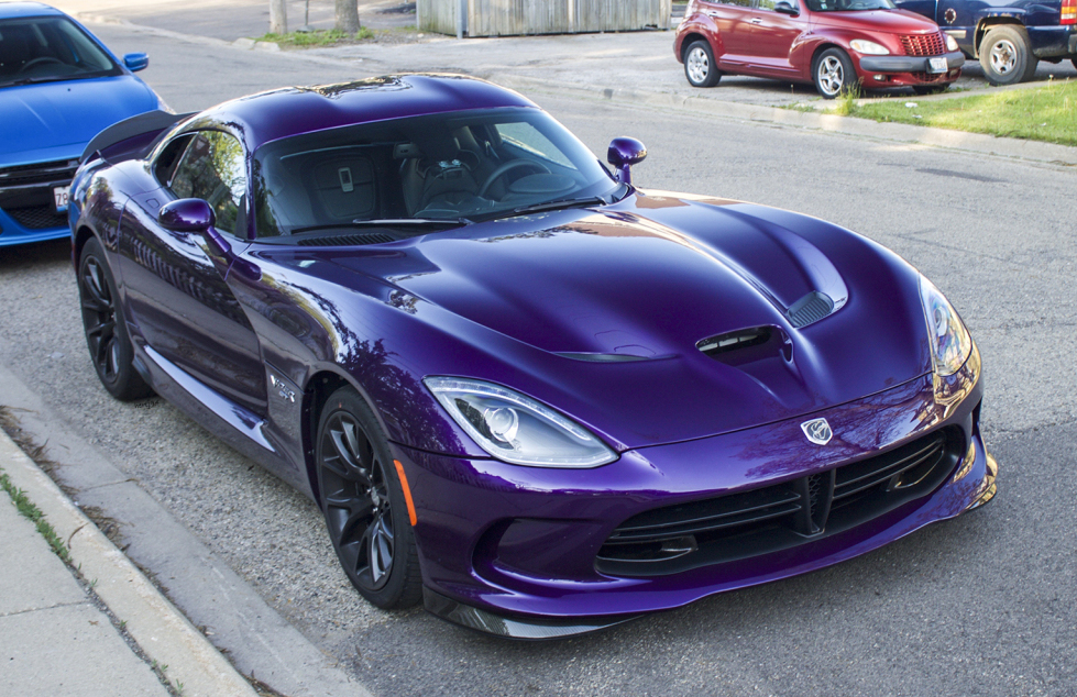 Purple Dodge Viper Looks Vicious In The Wild