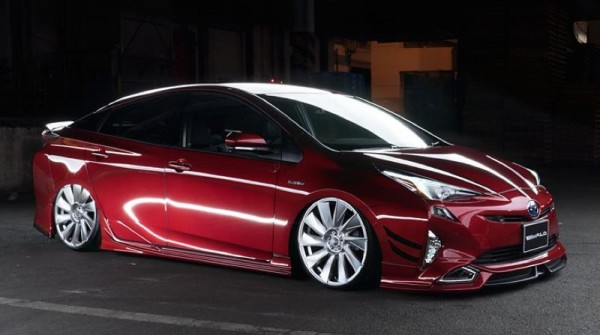 Wald Toyota Prius-Full-0