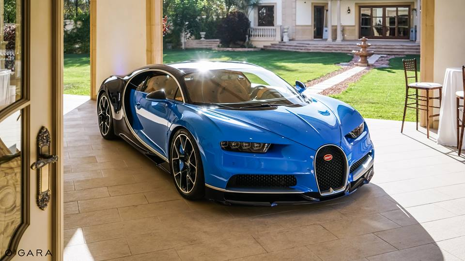 gallery bugatti chiron beverly hills debut. Black Bedroom Furniture Sets. Home Design Ideas