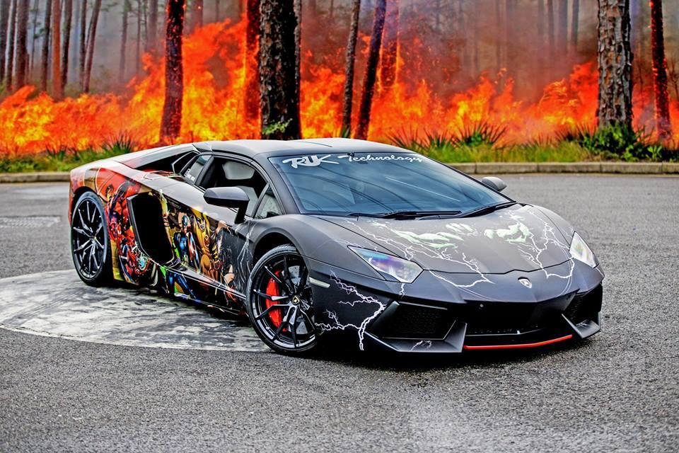 Gallery: Lamborghini Aventador Roadster with Superhero Wrap