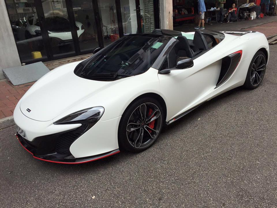 Matte-White-McLaren-650S-03.jpg