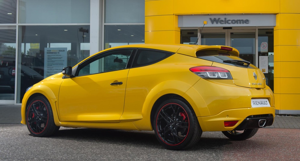 renault megane rs 275 cup s uk pricing and specs. Black Bedroom Furniture Sets. Home Design Ideas