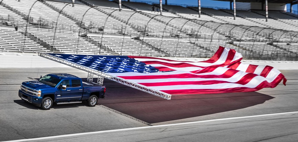 Chevrolet Flag Puling 0 at Chevrolet Sets Guinness World Record for Pulling a Flag