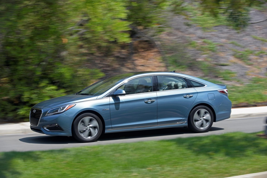 2017 hyundai sonata hybrid pricing and specs. Black Bedroom Furniture Sets. Home Design Ideas