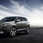 Peugeot 5008 2 175x175 at Official: Peugeot 5008