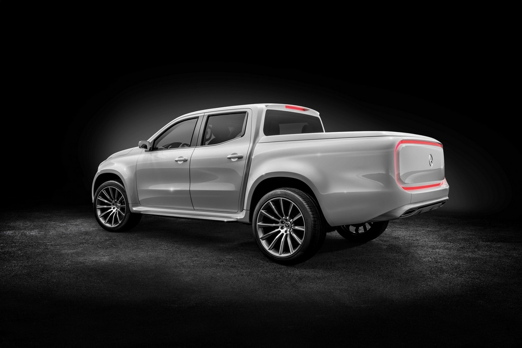 Mercedes x class concept pickup truck unveiled for Camioneta mercedes benz