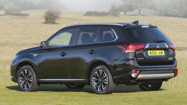 Mitsubishi Outlander PHEV Juro 2 600x338 at UK Only: Mitsubishi Outlander PHEV Juro