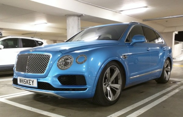 Royal Blue Bentley Bentayga Slammed 0 600x383 at Royal Blue Bentley Bentayga Spotted Sitting Unusually Low
