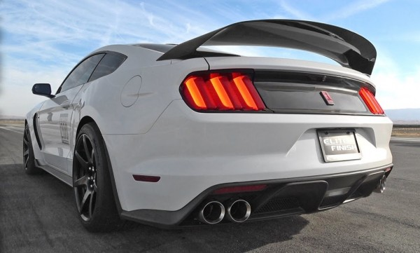 Shelby GT350R action vid