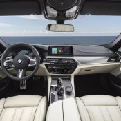 BMW M550i xDrive-6