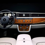 Rolls-Royce Phantom Drophead Music-3