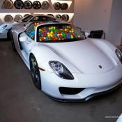 SR-Auto-porsche-918-balls-1