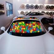 SR-Auto-porsche-918-balls-2