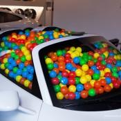 SR-Auto-porsche-918-balls-3