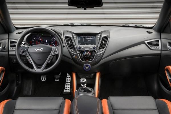 Hyundai Veloster Value Edition-3