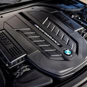 BMW M760Li xDrive-8