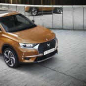 DS 7 Crossback 1 175x175 at Official: Citroen DS 7 Crossback