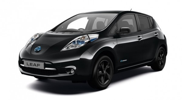 New Nissan LEAF Black Edition 3 600x330 at 2017 Nissan LEAF Black Edition for UK