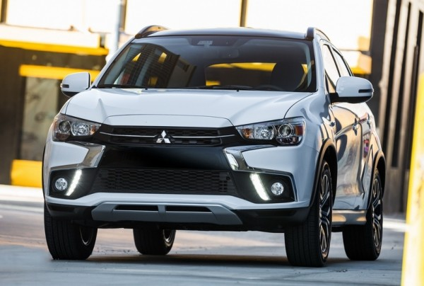 2018 Mitsubishi Outlander 0 600x404 at 2018 Mitsubishi Outlander Set for New York Debut