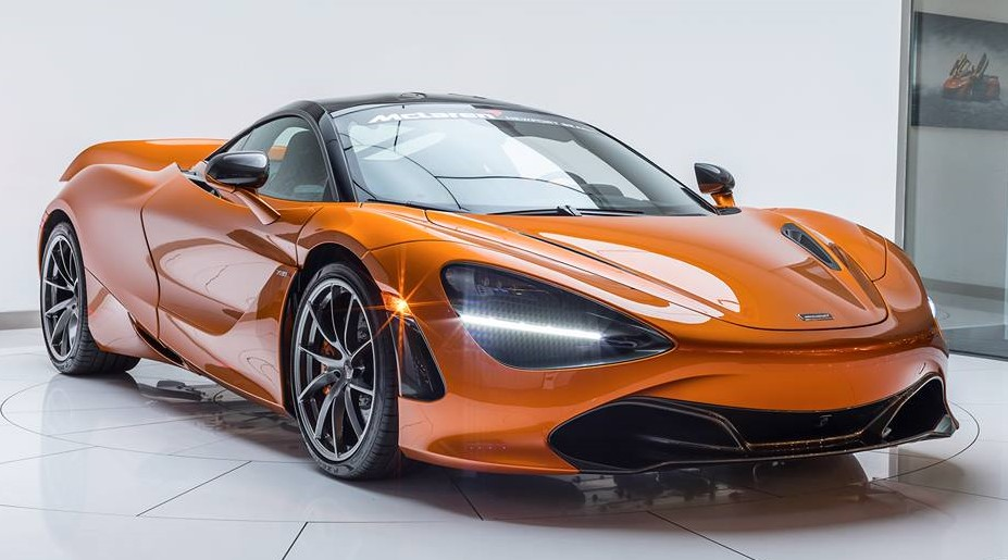 720s beauty shot at Up Close with McLaren 720S