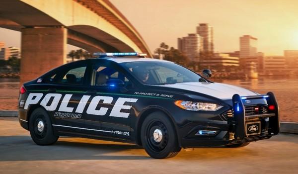 Police-Responder-Hybrid-Sedan-0