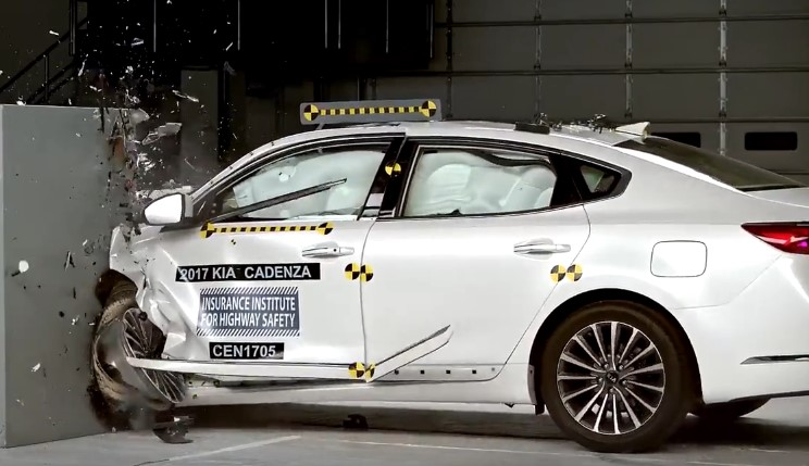 cadenza IIHS at 2017 Kia Cadenza Earns IIHS Top Safety Pick Plus Mark