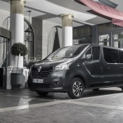 Renault 91051 global en 175x175 at Official: Renault TRAFIC SpaceClass