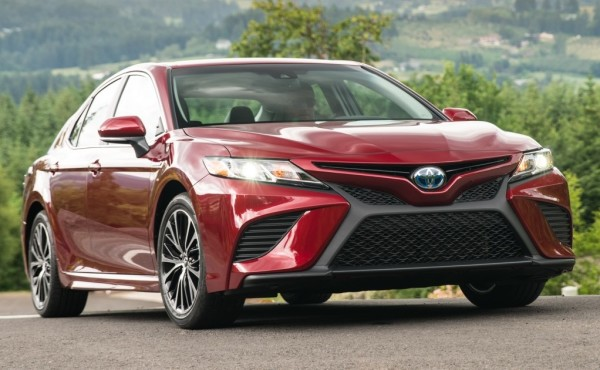 2018 Toyota Camry 7 600x370 at 2018 Toyota Camry   Specs, Details, Pricing