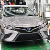 2018_Toyota_Camry_Lineoff